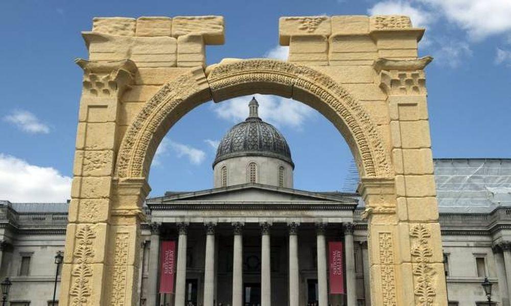 Η Αψίδα του Θριάμβου της Παλμύρας στο… Λονδίνο! (photo-video)
