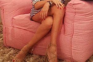 Το υπερ-σέξι σταυροπόδι της Ελληνίδας παρουσιάστριας! (photo)