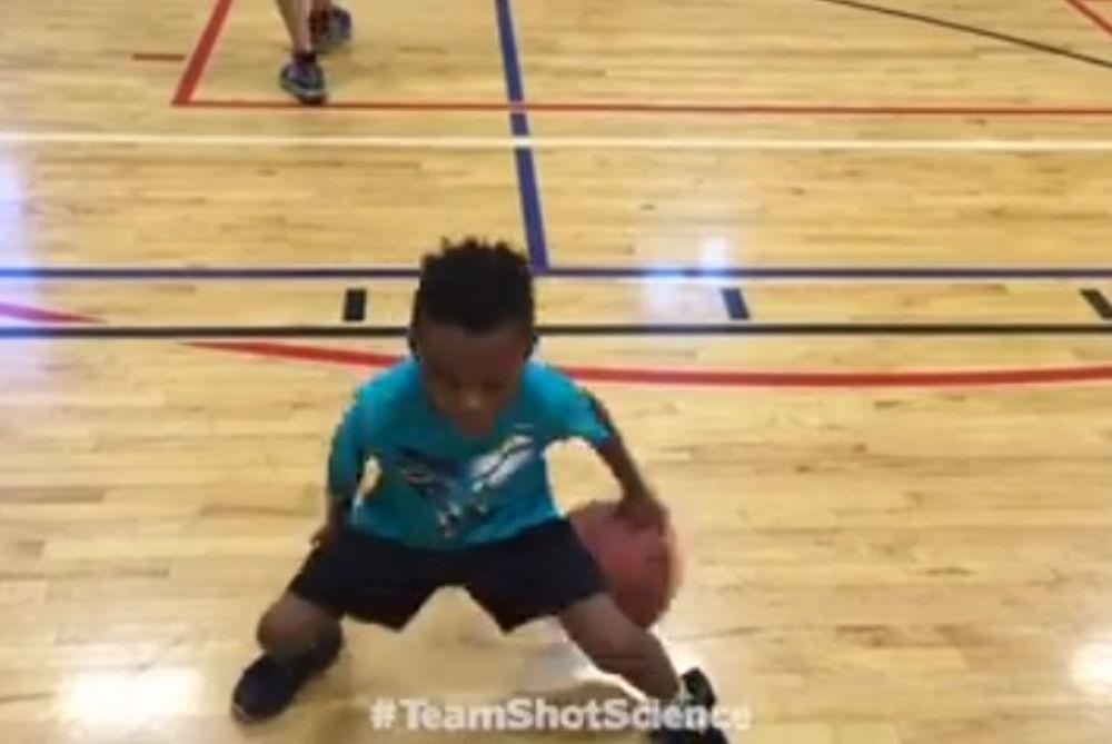 Απίστευτα μαγικά στο μπάσκετ από 6χρονο! (video)
