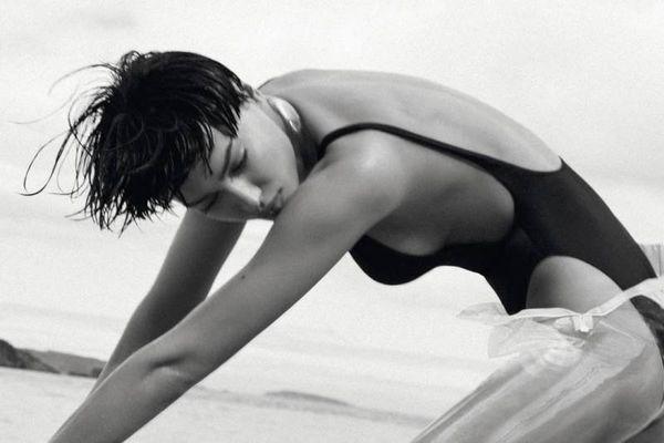 Η Ιρίνα Σάικ μας... κόλασε στην Καραϊβική (photos)