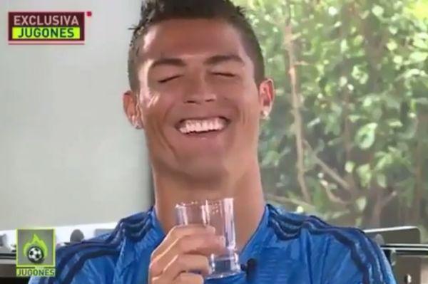 Έσκασε στα γέλια ο Ρονάλντο όταν ρωτήθηκε για τον Μπενίτεθ (video)