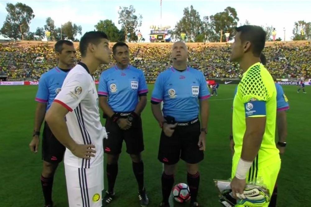 Copa America: Απίστευτο! Το κέρμα του διαιτητή έμεινε στην μέση! (video)