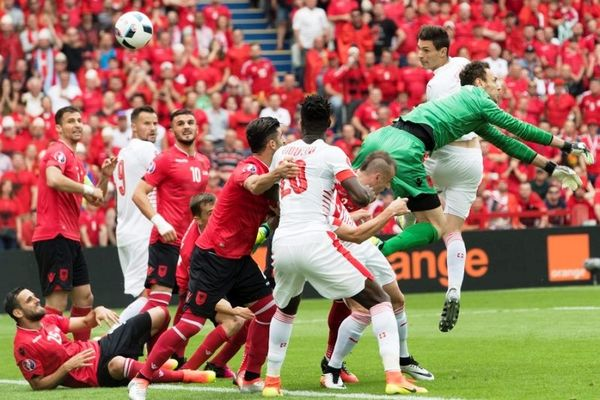 Euro 2016: Το γκολ του Σχαρ (video)