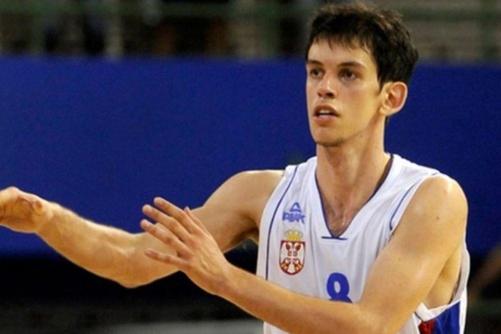 Σκληρή δουλειά υποσχέθηκε ο Μιλιένοβιτς
