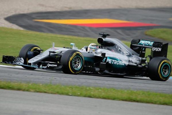 Formula 1: Τέταρτη καρό σημαία για Χάμιλτον