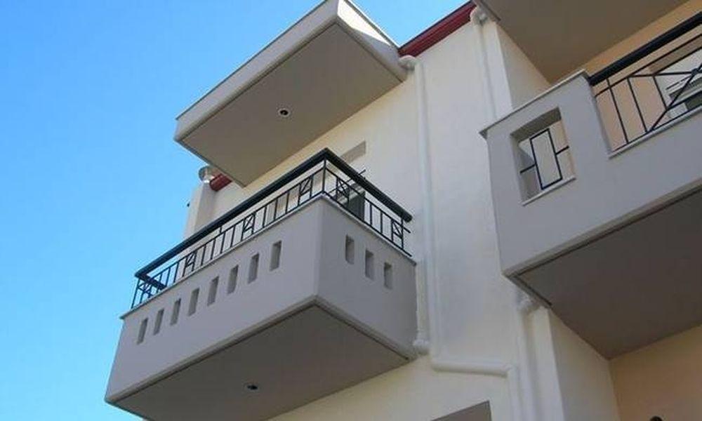 Ηράκλειο: «Ελεύθερη» πτώση αγοριού από μπαλκόνι