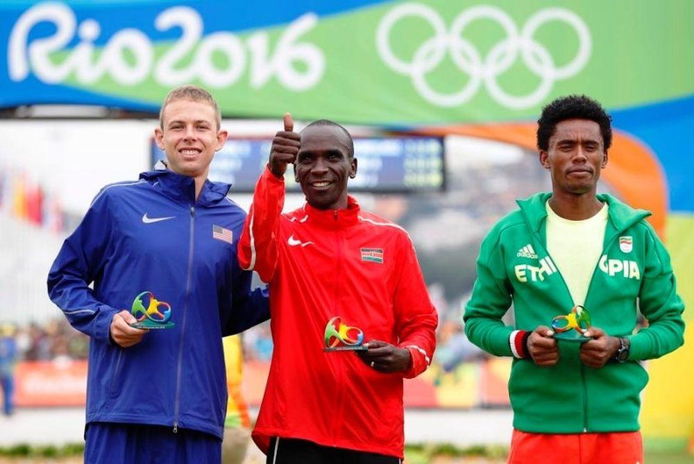 Ο Κιπτσόγκ Ολυμπιονίκης στον Μαραθώνιο, έκανε το «νταμπλ» η Κένυα