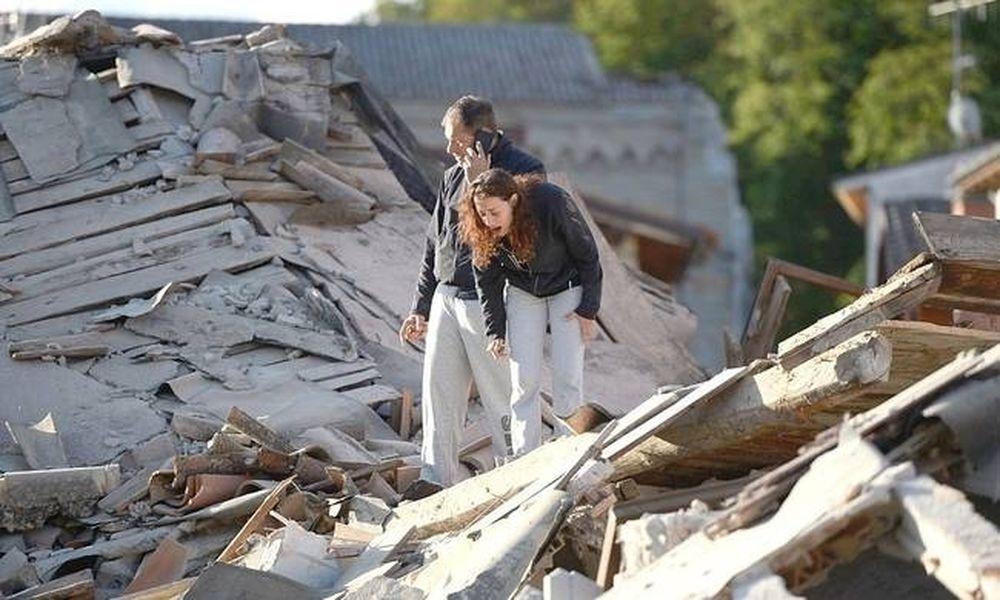 Ιταλία: Θρήνος στα χαλάσματα - Μειώνονται οι ελπίδες για επιζώντες - Εκατόμβη νεκρών(Pics & Vids)