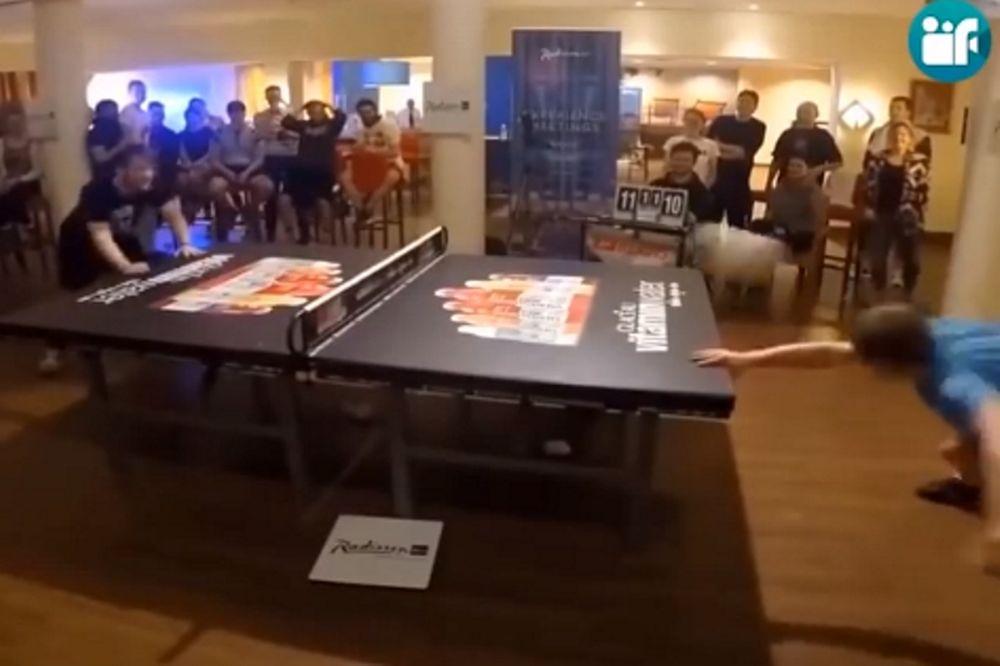 Απίστευτο! Παίζουν πινκ πονκ με… κεφαλιές! (video)