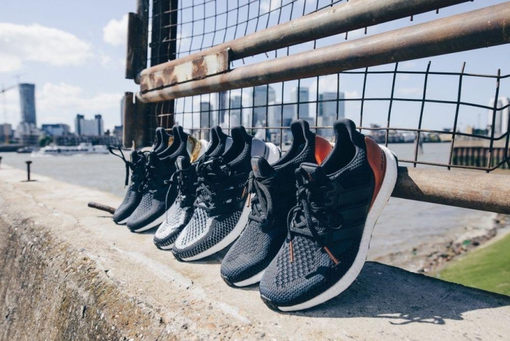H adidas αλλάζει την εικόνα του τρεξίματος με δύο νέες εκδόσεις UltraBOOST, τα UltraBOOST Uncaged with Colour και τα UltraBOOST Metallic Pack