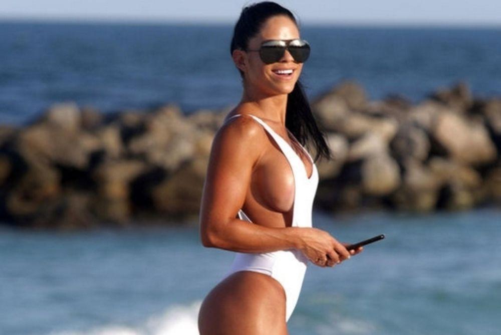 Αυτή είναι η γυμνάστρια που κόλασε την παραλία! (photos)