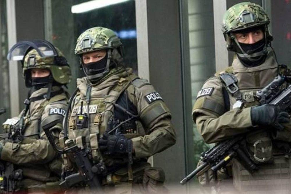 Συναγερμός στη Γερμανία: Έκρηξη σε τζαμί και σε συνεδριακό κέντρο στη Δρέσδη (Pics)