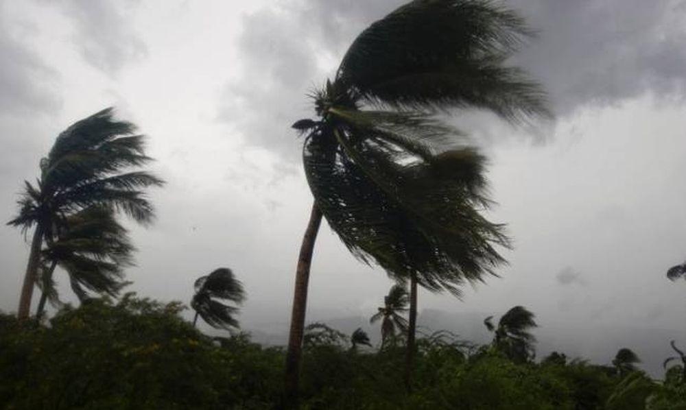 Σαρώνει τα πάντα στο πέρασμά του ο τυφώνας Μάθιου: Τουλάχιστον 9 οι νεκροί (videos+photos)