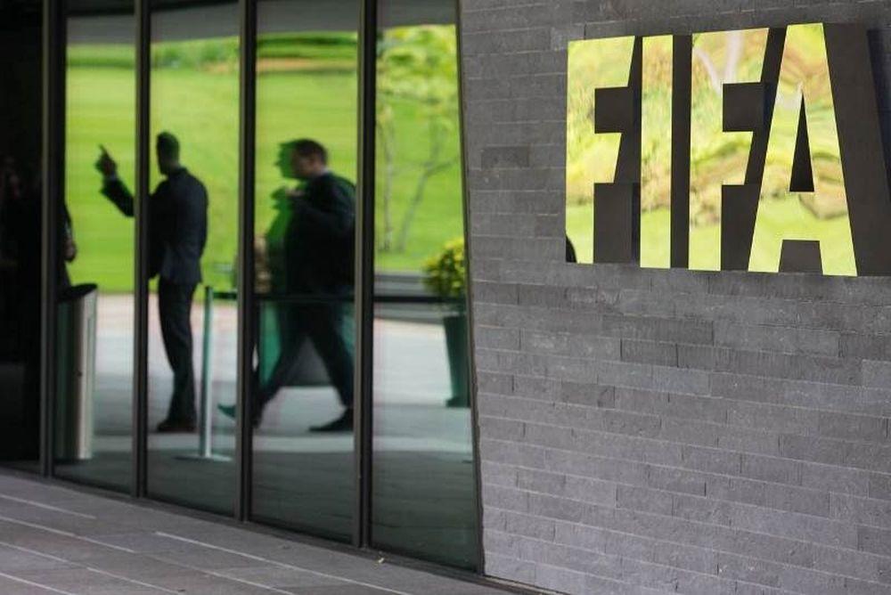Εργάτης μήνυσε τη FIFA