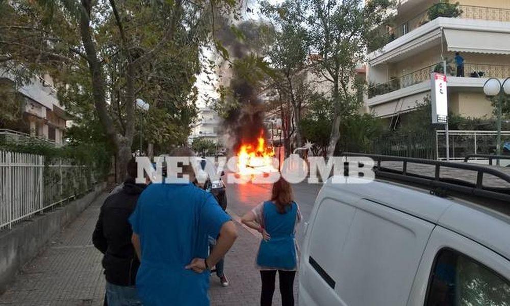Στις φλόγες αυτοκίνητο στα Μελίσσια (pics)