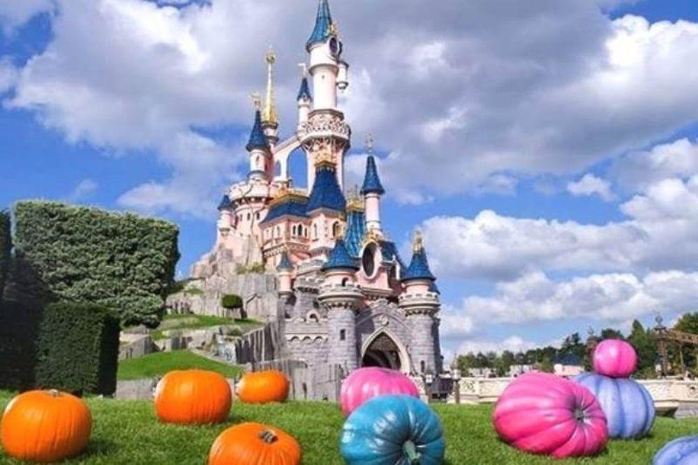 Η Disneyland ψάχνει 100 Έλληνες για εργασία στο Παρίσι