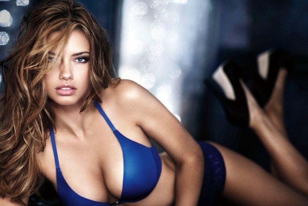Η αγαπημένη σέξι φωτογραφία της Αντριάνα Λίμα (photos)