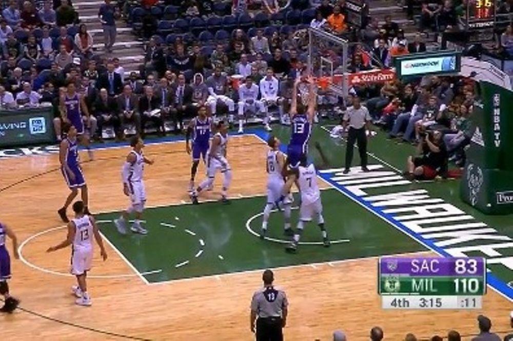 Αυτό είναι το πρώτο κάρφωμα του Παπαγιάννη στο NBA (video)