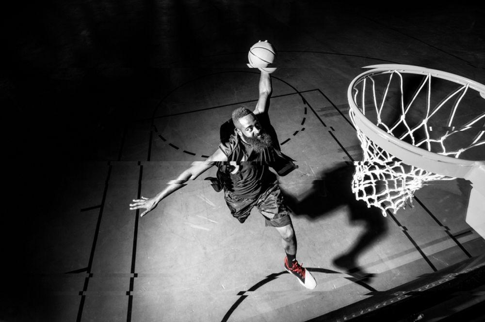 Ζήσε την απόλυτη μπασκετική εμπειρία «Play Harden» της adidas