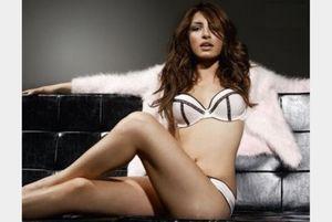 Η Έλενα Παπαρίζου το… κουνάει καλύτερα απ' όλες! (videos)