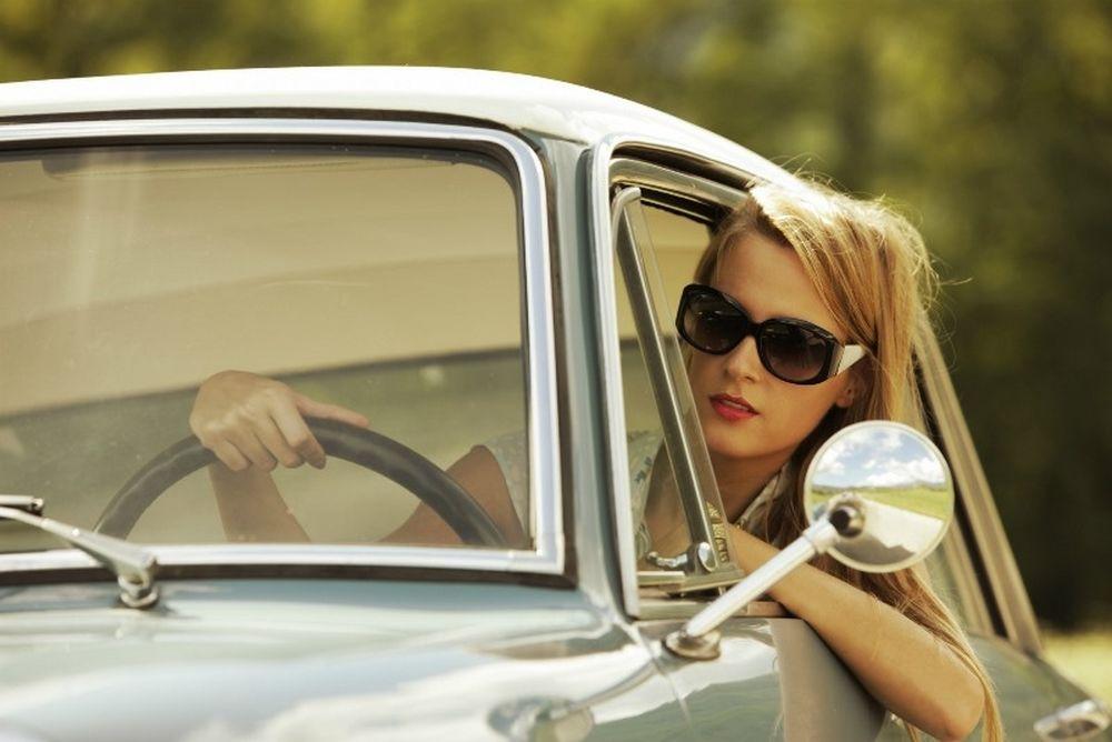 Επική απάντηση γυναίκας στο ερώτημα «τι χρειάζεται το αυτοκίνητο για να κινηθεί» (vid)