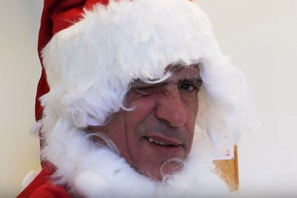 Ο Φερνάντο Σάντος ντύθηκε Άγιος Βασίλης (video)