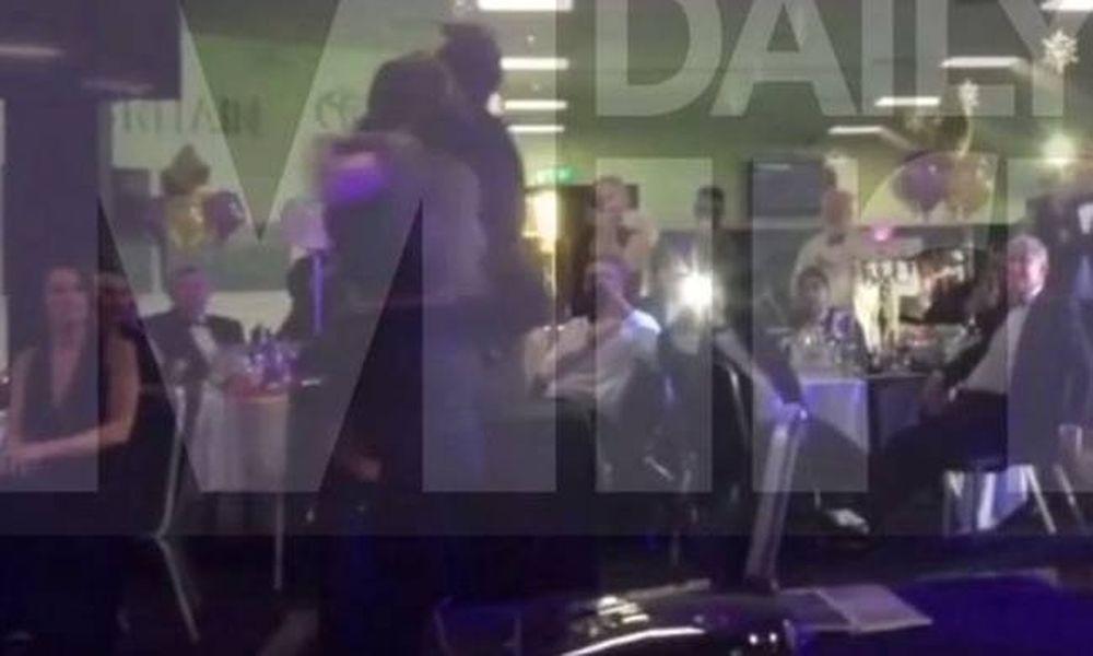 Πασίγνωστη σταρ τα πέταξε όλα και έπιανε τα πέη αγνώστων σε χριστουγεννιάτικο πάρτι! (video+pics)