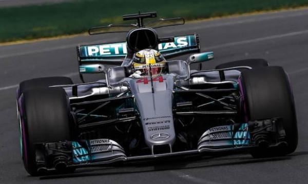 Η πρώτη pole position της σεζόν στον Χάμιλτον
