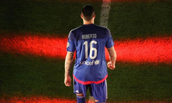 «Ερυθρόλευκες» φωτιές άναψε το tweet του Ρομπέρτο!