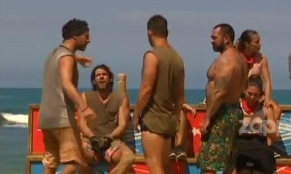 Survivor: Τους κατούραγε ο Σπαλιάρας και τον έστειλαν στους Μαχητές!