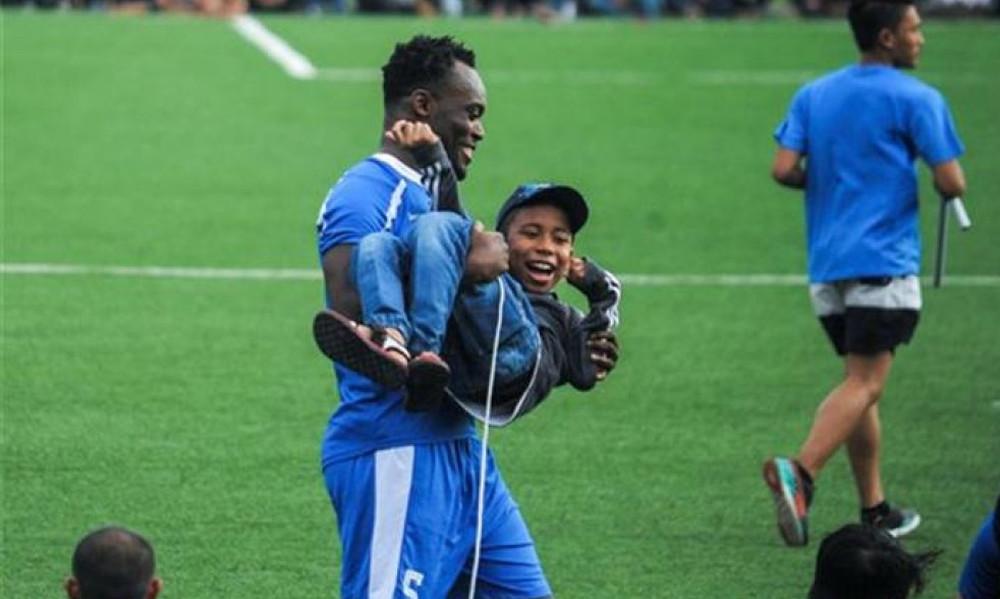 Την πάτησε ο Εσιέν: Δεν μπορεί να παίξει στην Ινδονησία!