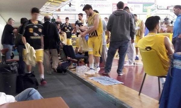 Παίκτης του Εργοτέλη κατέρρευσε στον πάγκο!