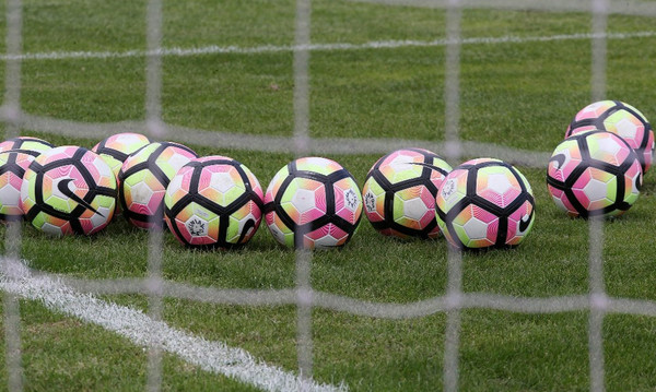 Γκολ και ξύλο σε γυναικείο αγώνα ποδοσφαίρου! (photos)