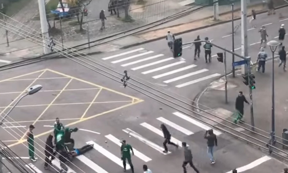 Σοκ στη Βραζιλία! Ξυλοκοπήθηκε άγρια οπαδός της Κορίνθιανς (video+photo)