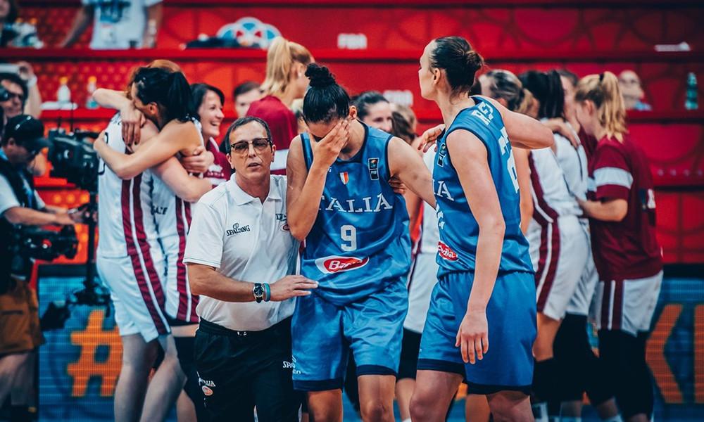 Ευρωμπάσκετ Γυναικών: Αποκλείστηκε η Ιταλία από τραγικό λάθος των διαιτητών (video)