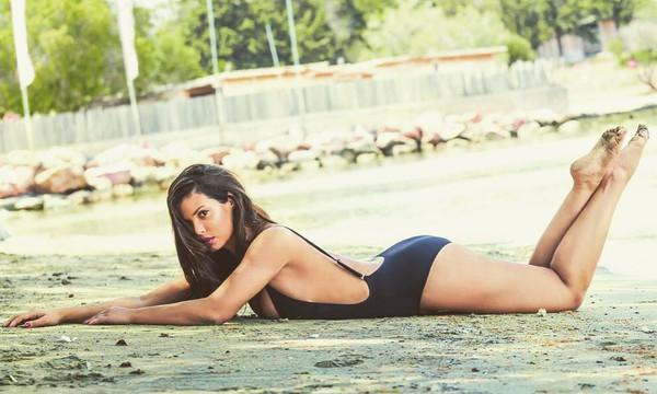 Η Μαρία Κορινθίου είναι η πιο καυτή Ελληνίδα μάνα με καμπυλάρες στο Instagram!