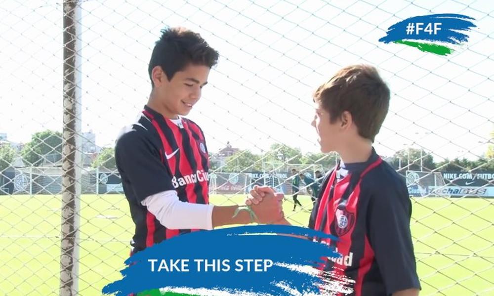 Football for Friendship: Μην σταματήσεις να ονειρεύεσαι