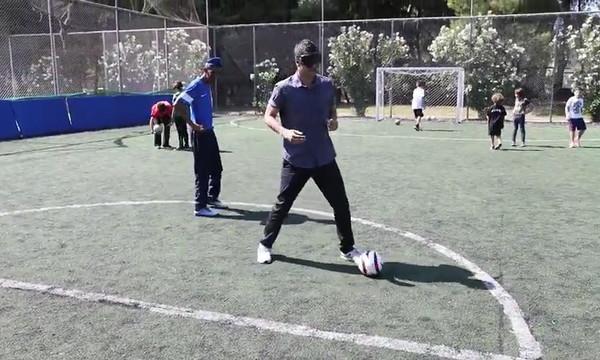 Football for Friendship: Ο Τάκης Φύσσας δίπλα στο Αθλητικό Σωματείο ΑΜΕΑ «Κεραυνός»