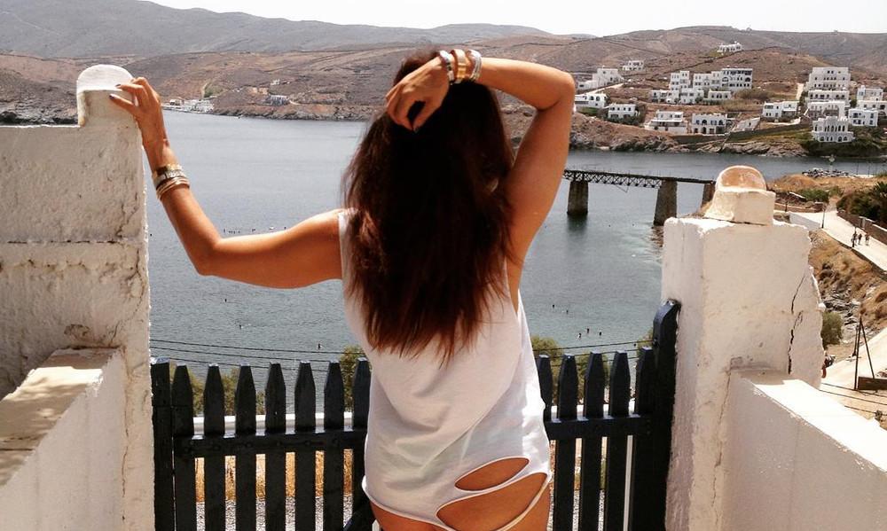 Ελληνίδα 50άρα έχει αυτή την πίσω… κίνηση!