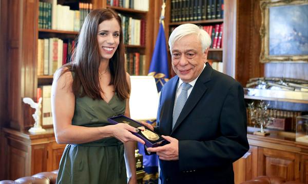 Παυλόπουλος σε Στεφανίδη: «Η επίδοσή σου είναι ένα υπόδειγμα για την κοινωνία»