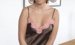 Πασίγνωστη ελληνίδα ηθοποιός στο instagram. Εντελώς γυμνή! (pics)