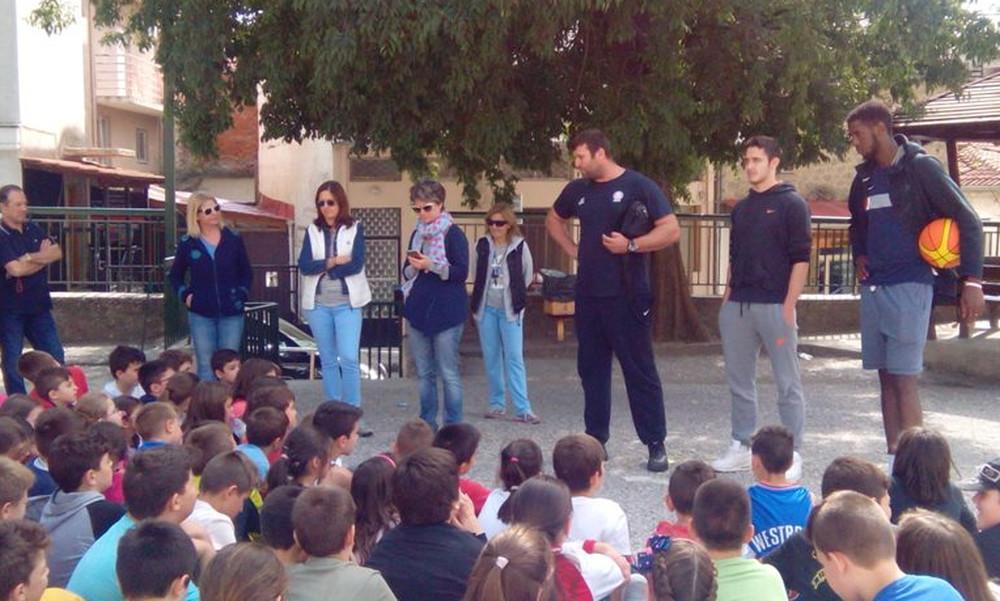 Επισκέφτηκαν σχολεία παίκτες των Τρικάλων BC Aries