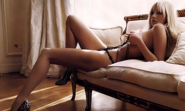 Η Τζούλια Αλεξανδράτου παραμένει η απόλυτη «βασίλισσα» του πορνό στην Ελλάδα!