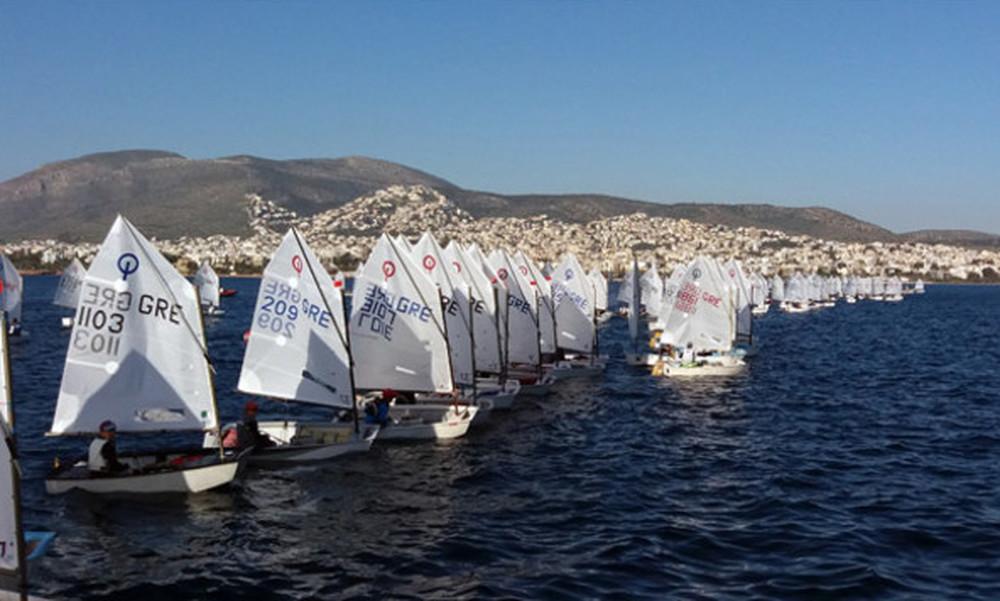 132 σκάφη έτρεξαν στους αγώνες Όπτιμιστ της Βούλας