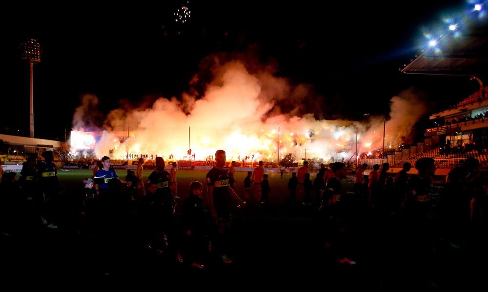 «Κάηκε» το «Κλ. Βικελίδης» στο Άρης-Μπόκα Τζούνιορς (pics)