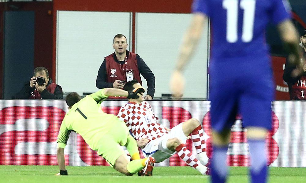 Κροατία-Ελλάδα:  Το τραγικό λάθος του Καρνέζη στο 1-0 (vid)