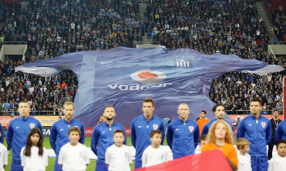 Ελλάδα-Κροατία: Ανατριχίλα με τον Εθνικό Ύμνο στο φινάλε του αγώνα! (pics)
