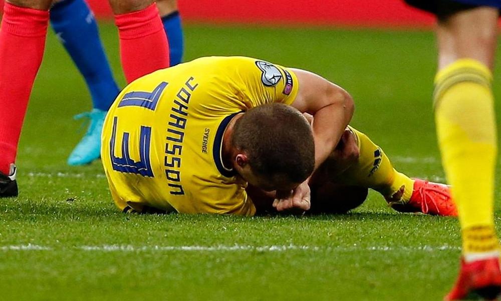 Σοκ στην ΑΕΚ: Φόβοι για σοβαρό τραυματισμό του Γιόχανσον (pics, vid)