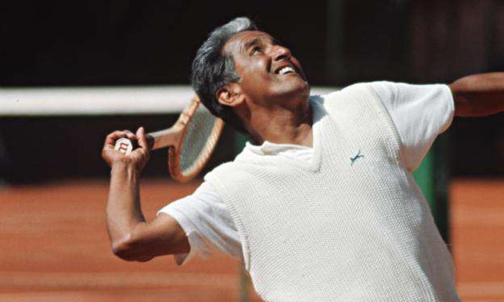 Θρήνος! Πέθανε διάσημος τενίστας (photos)
