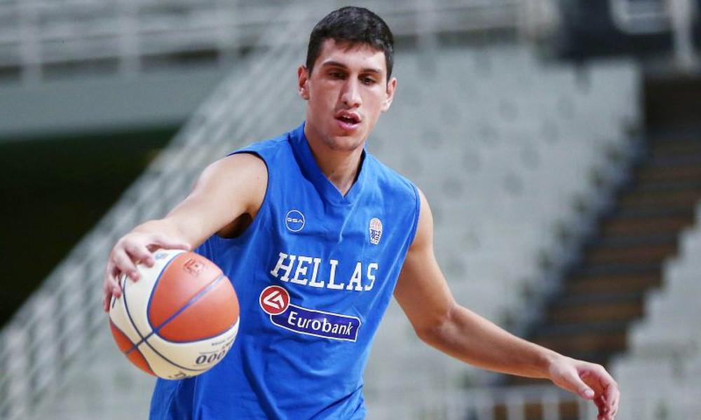 Λαρεντζάκης στο Onsports.gr: «Η Εθνική δίνει κίνητρο να γινόμαστε καλύτεροι»